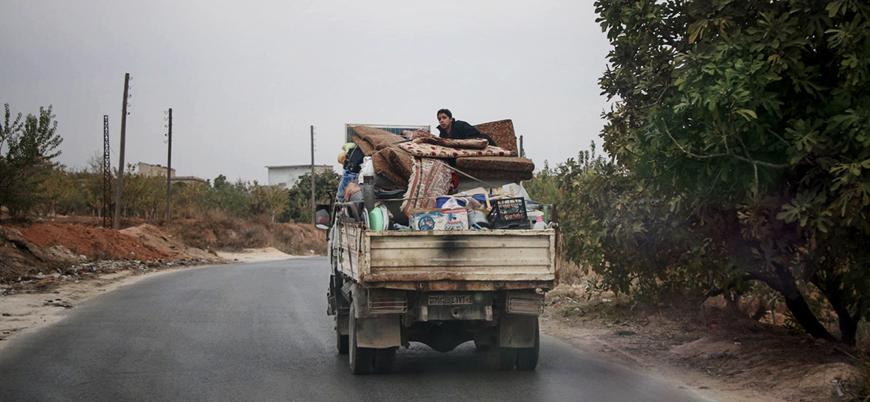 İdlib'deki Rus bombardımanı Türkiye sınırına yeni göçü tetikledi