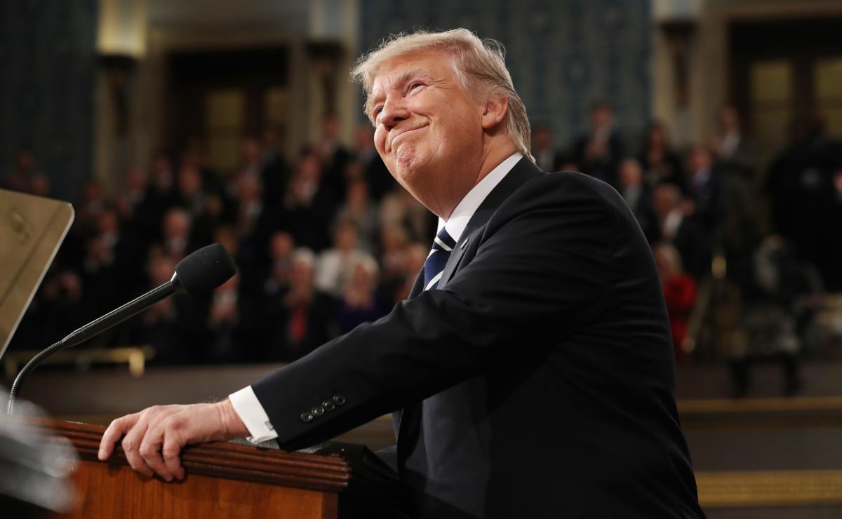 """""""Trump akıl hastalarına silah verilmesini onaylayan bir başkan"""""""
