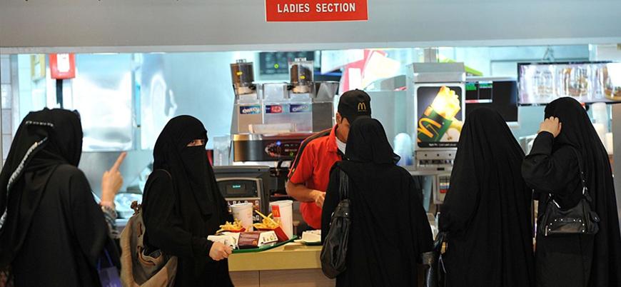 Suudi Arabistan'da kadınlara yönelik ayrıcalık son buldu