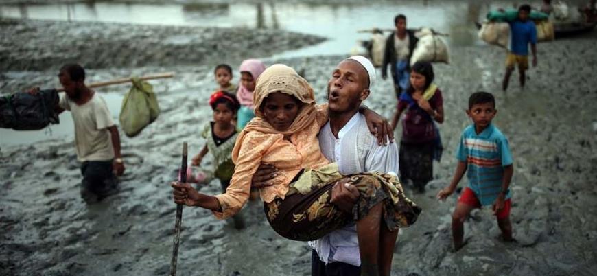 Arakanlı Müslümanlar Myanmar'daki etnik temizlikten kaçmaya devam ediyor