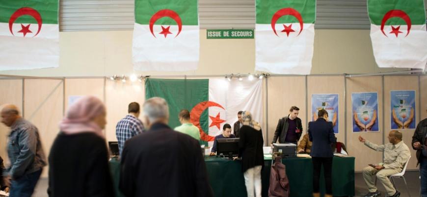 Cezayir'de 20 yıl sonra Buteflika'sız ilk seçim