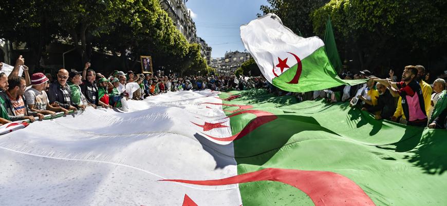 Cezayir'de cumhurbaşkanlığı seçiminin kazananı belli oldu