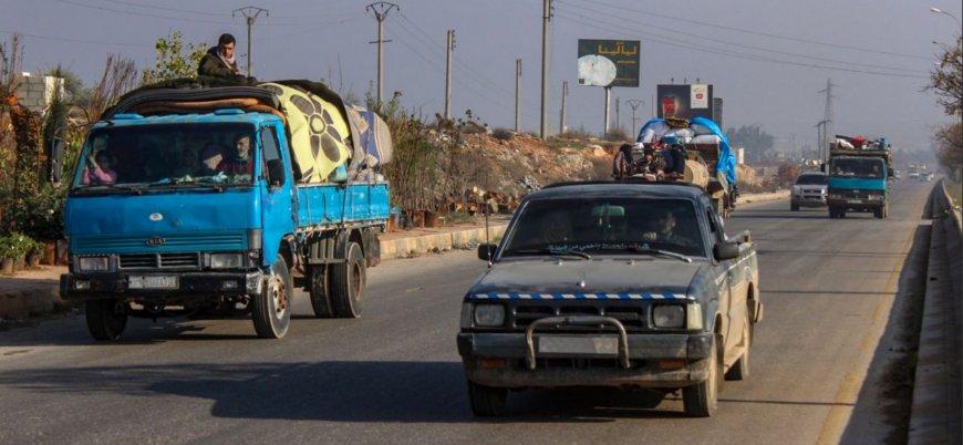 Rus bombardımanı sebebiyle 3 günde 40 bin Suriyeli Türkiye sınırına göç etti