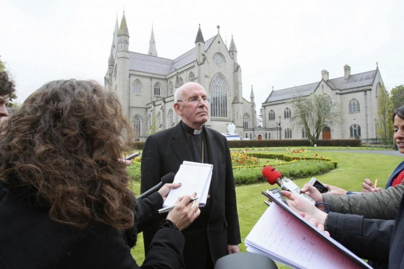 Bahçesinden bebek cesetleri çıkan kiliselere soruşturma