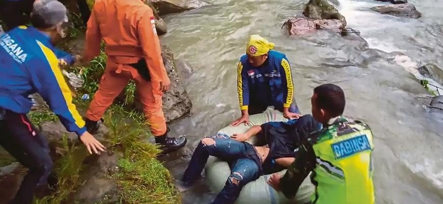 Endonezya'da otobüs kazası: En az 25 ölü