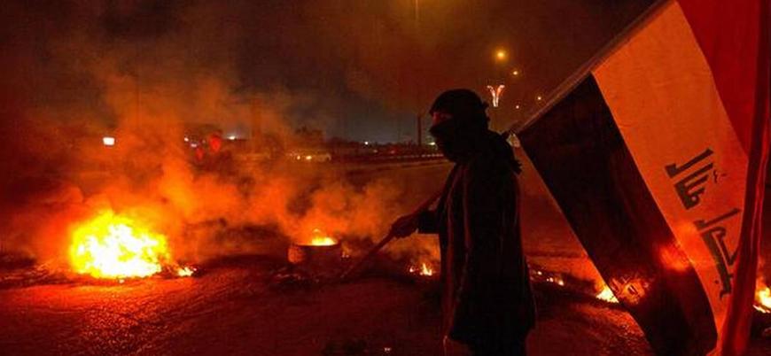 Iraklı protestocular Şii partilere ait büroları yaktı