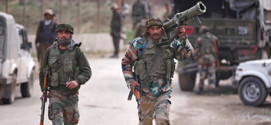 Keşmir'de Hindistan ve Pakistan orduları arasında çatışma