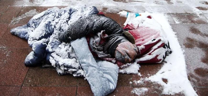 'Medeniyetin' evsizlerle savaşı