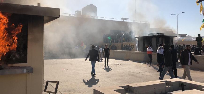 ABD askerlerinden Iraklı göstericilere göz yaşartıcı gazla müdahale