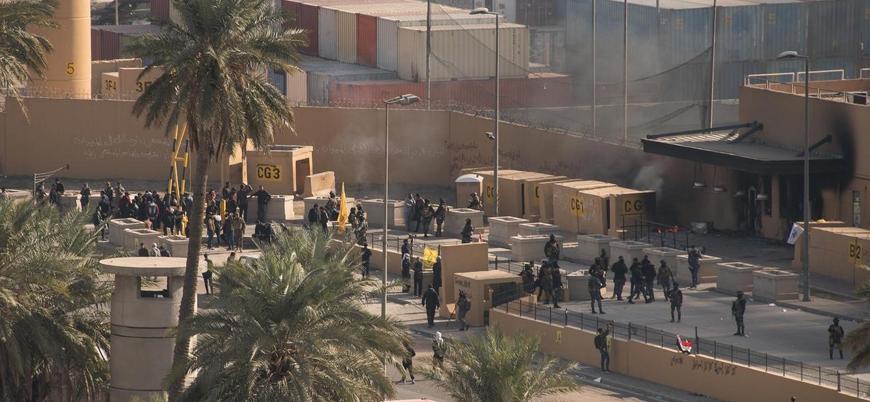 Şii milis ve protestocular Bağdat'taki ABD Büyükelçiliği'nden çekildi