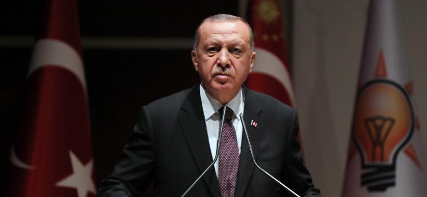 Erdoğan: 250 bin mülteci sınırımıza doğru ilerliyor, dikenli teller oluşturamayız