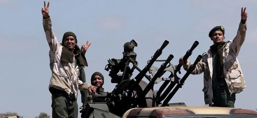 """""""Türkiye Libya'ya 2 bin Suriyeli savaşçı gönderdi"""""""