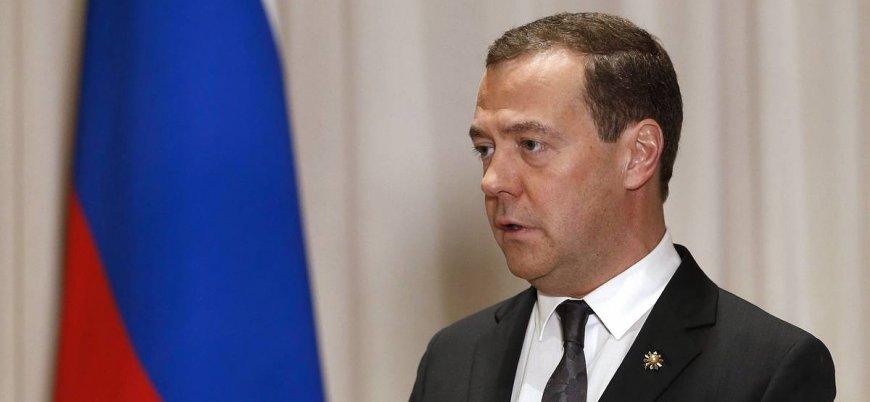 Rusya'da Medvedev hükümeti istifa etti