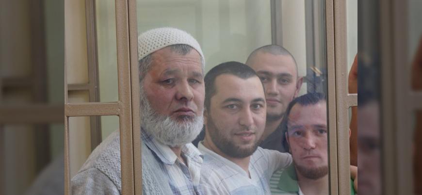 Rusya cezaevine attığı Müslüman Kırım Tatarlarının ibadet hakkına engel oluyor