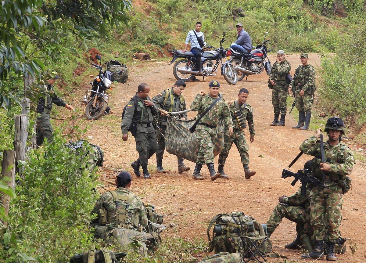 Kolombiya'da barış anlaşması çatışmaları durdurmadı