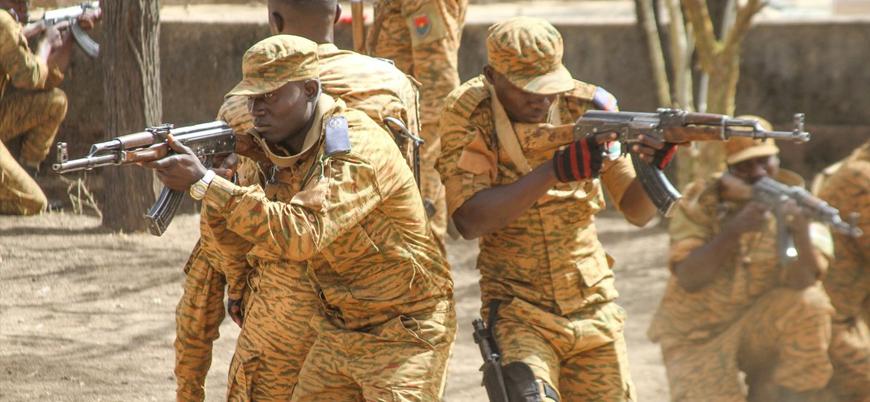 Burkina Faso cihat yanlılarına karşı sivilleri silahlandıracak