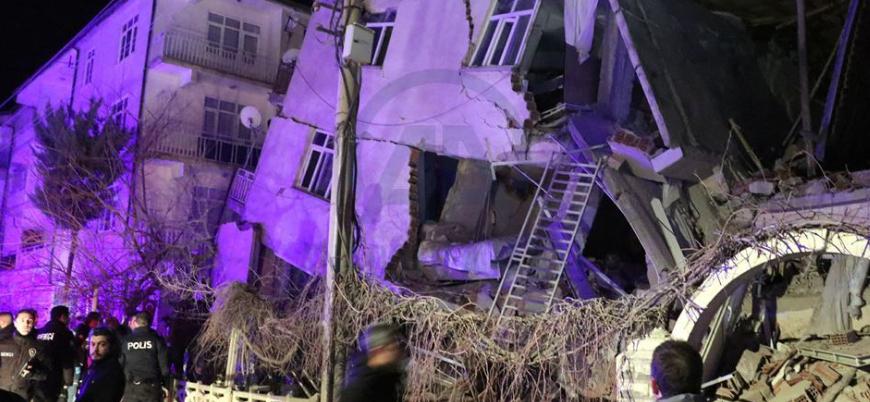 Elazığ'da meydana gelen şiddetli depremde 20 kişi hayatını kaybetti