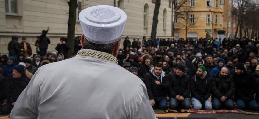 Belçika 'Müslümanları korumak için' imam yetiştirecek