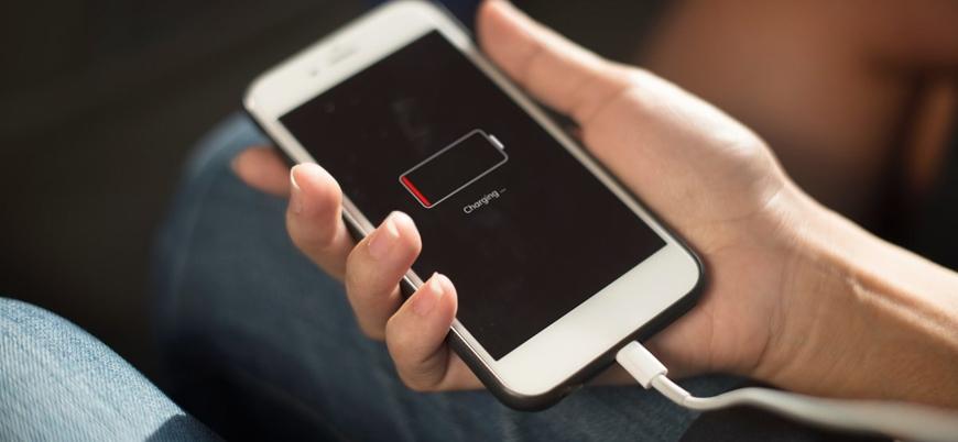 AP'den mobil cihazlar için 'tek tip şarj' çağrısı