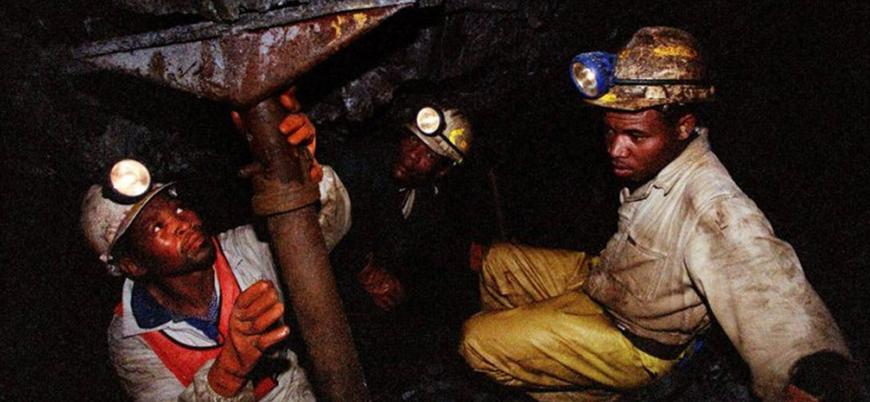 Güney Afrika'da 9 maden işçisi rakip işçiler tarafından taşlanarak öldürüldü