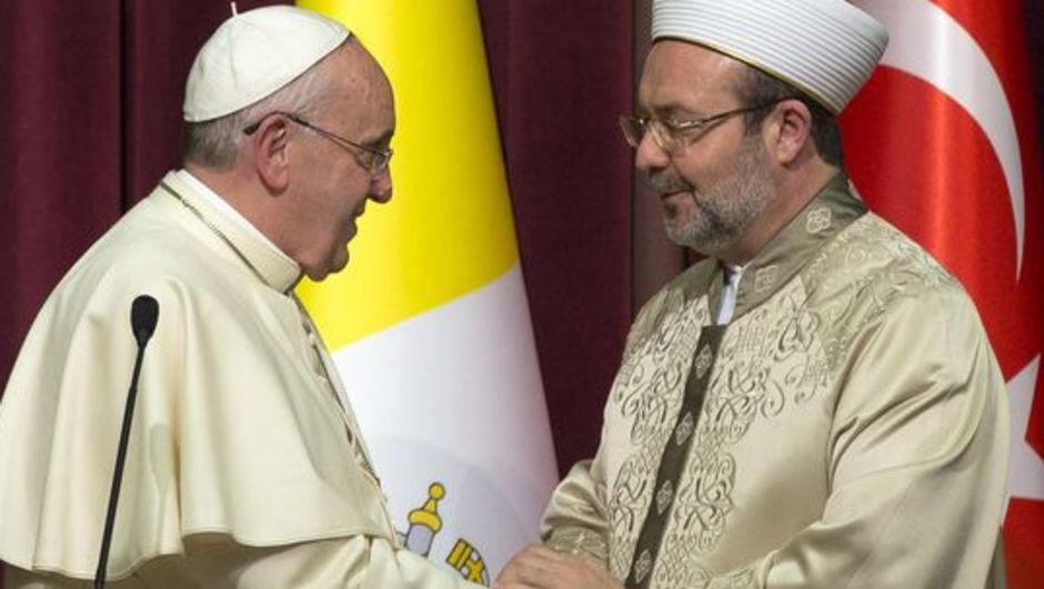 Diyanet İşleri Başkanı'ndan Papa'ya İslamofobi çağrısı