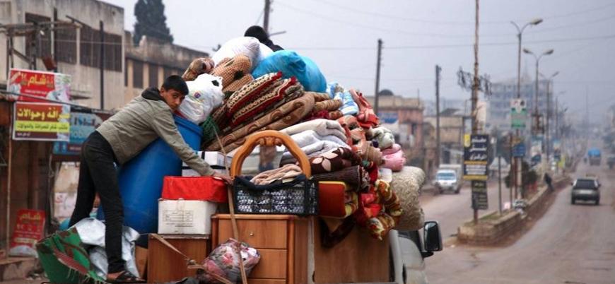 Suriye'nin kuzeyinde yüz binlerce sivil bombardımandan kaçıyor