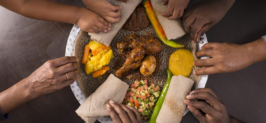 Araştırma: Elle yemek yediğimizde daha çok lezzet alıyoruz