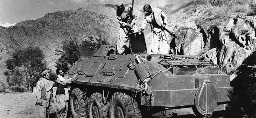 15 Şubat 1989: Ağır bir yenilgi alan Sovyetler Birliği Afganistan'dan çekildi