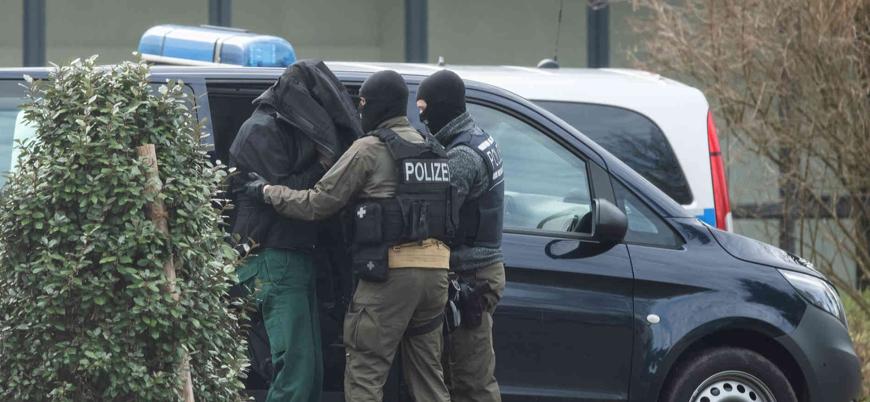"""""""Almanya'da aşırı sağcı grup camilere saldırı planlıyordu"""""""