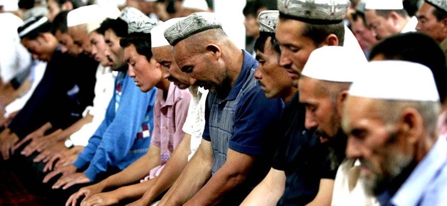 """""""Uygur Müslümanları dinleri yüzünden Çin'in toplama kamplarında"""""""