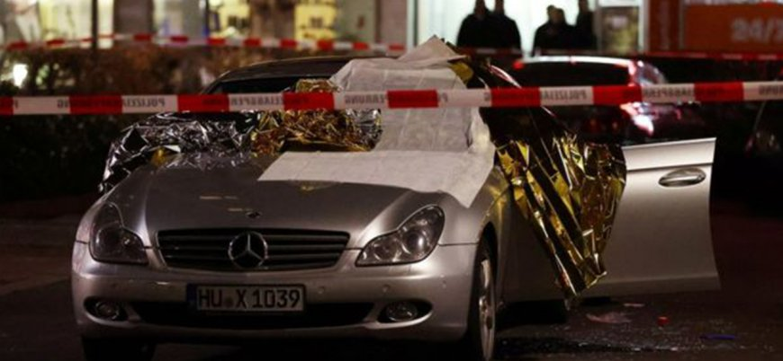 Almanya'daki iki silahlı saldırıda 11 kişi öldü
