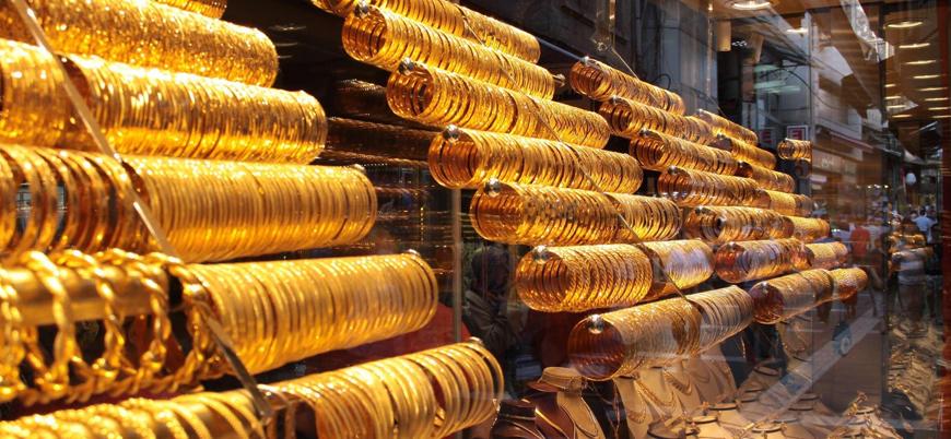 Altın tarihi rekorunu sürdürüyor
