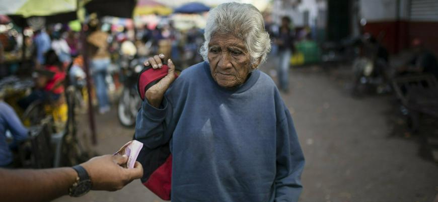 Venezuela'da her 3 kişiden 1'i iş karşılığında para yerine yemek istiyor