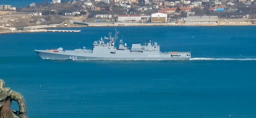 Rusya'nın Suriye'ye gönderdiği seyir füzesi yüklü iki savaş gemisi Boğazlardan geçti