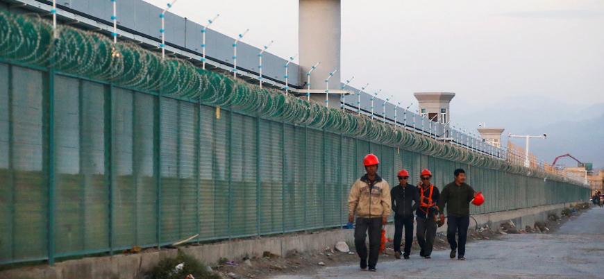 """""""Çin fabrikalarda Uygurları zorla çalıştırıyor"""""""