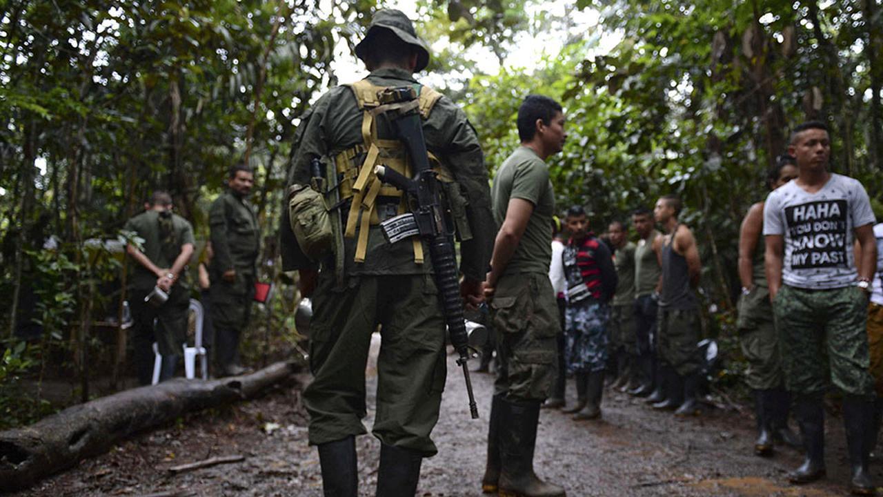 FARC'ın terkettiği bölgelere silahlı çeteler yerleşti