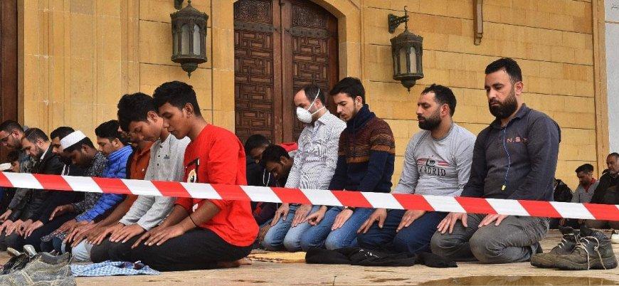 Koronavirüs: Lübnan'da 'cemaatle namaz' askıya alındı