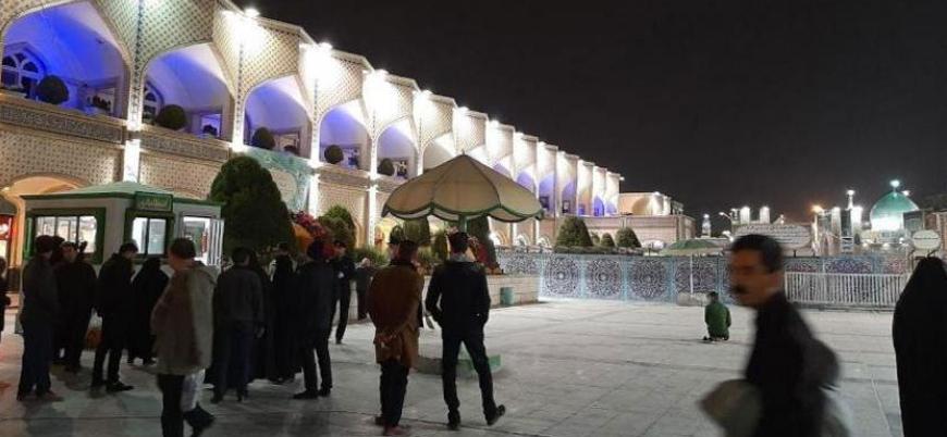 İran'da Şiiler koronavirüse rağmen türbelere akın etti