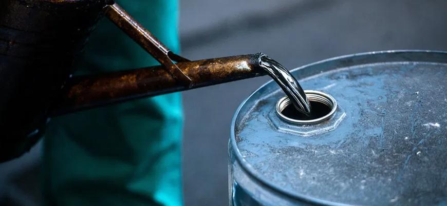 Petrol fiyatlarında hızlı düşüş sürüyor: 25 dolara geriledi