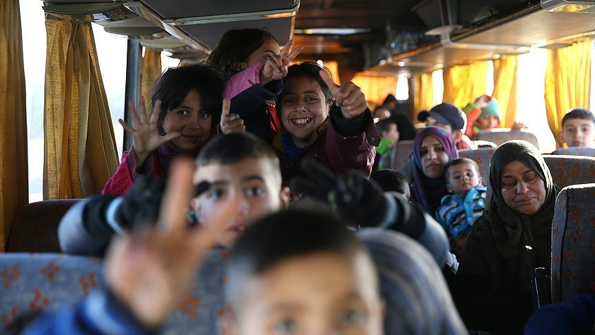 Rejimin tehcir politikası sürüyor: Humus'ta tahliyeler başladı