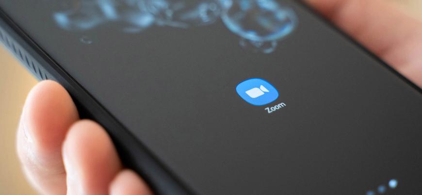 Zoom kullanıcı verilerini gizlice Facebook ile paylaşıyor