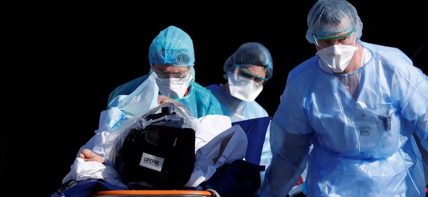 Merkel'den koronavirüse karşı 'sabırlı olun' çağrısı