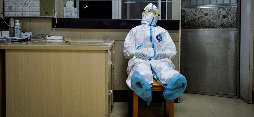 İngiltere'de koronavirüs nedeniyle hayat 6 aydan önce normale dönmeyecek