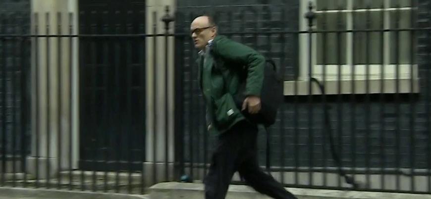 Boris Johnson'dan koşarak kaçan başdanışmanda koronavirüs şüphesi