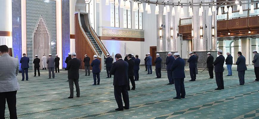 Diyanet: Her hafta bir camide 'temsilen' cuma namazı kılınacak