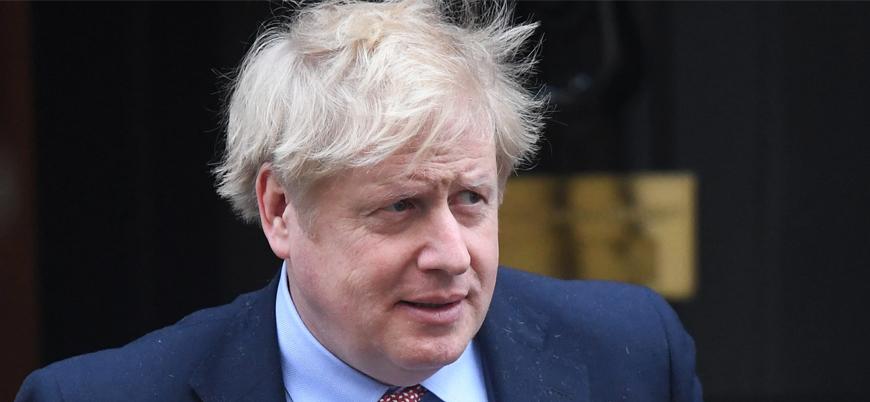 İngiltere Başbakanı Boris Johnson Covid-19 nedeniyle hastaneye kaldırıldı