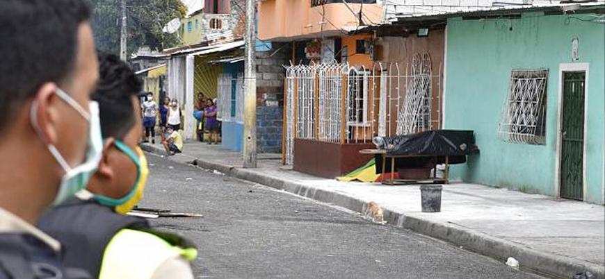 Ekvador'da Covid-19 nedeniyle sağlık sistemi çöktü: Ölüler sokaklarda kaldı
