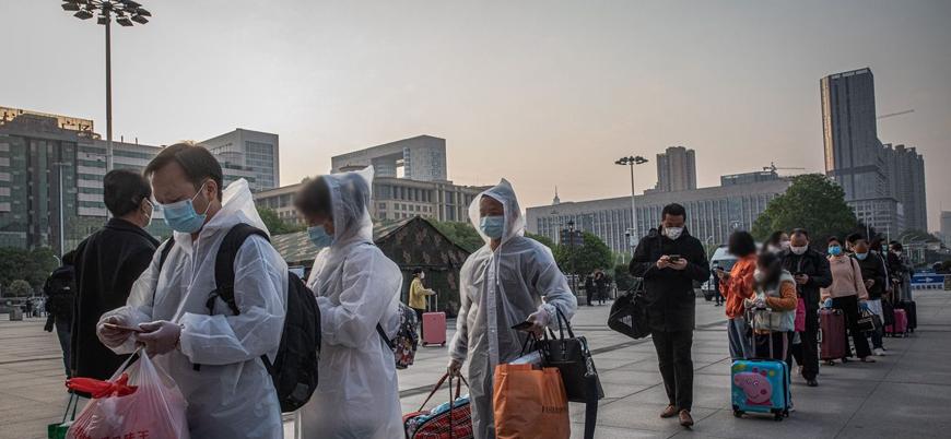 Koronavirüsün ortaya çıktığı Vuhan'da binlerce kişi kentten ayrılmaya hazırlanıyor