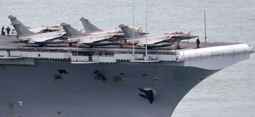Fransız uçak gemisindeki 50 askerde koronavirüs tespit edildi