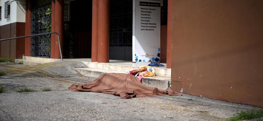 Koronavirüs: Ekvador'da ev ve sokaklardan 800 ceset toplandı